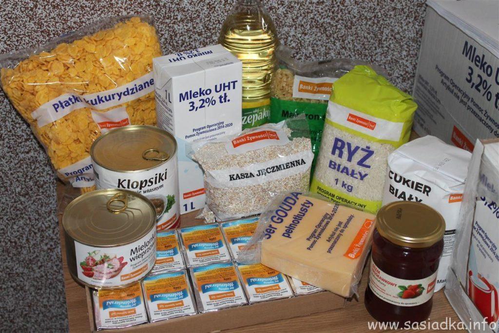 Pomoc żywnościowa GOPSułów w Krzaku